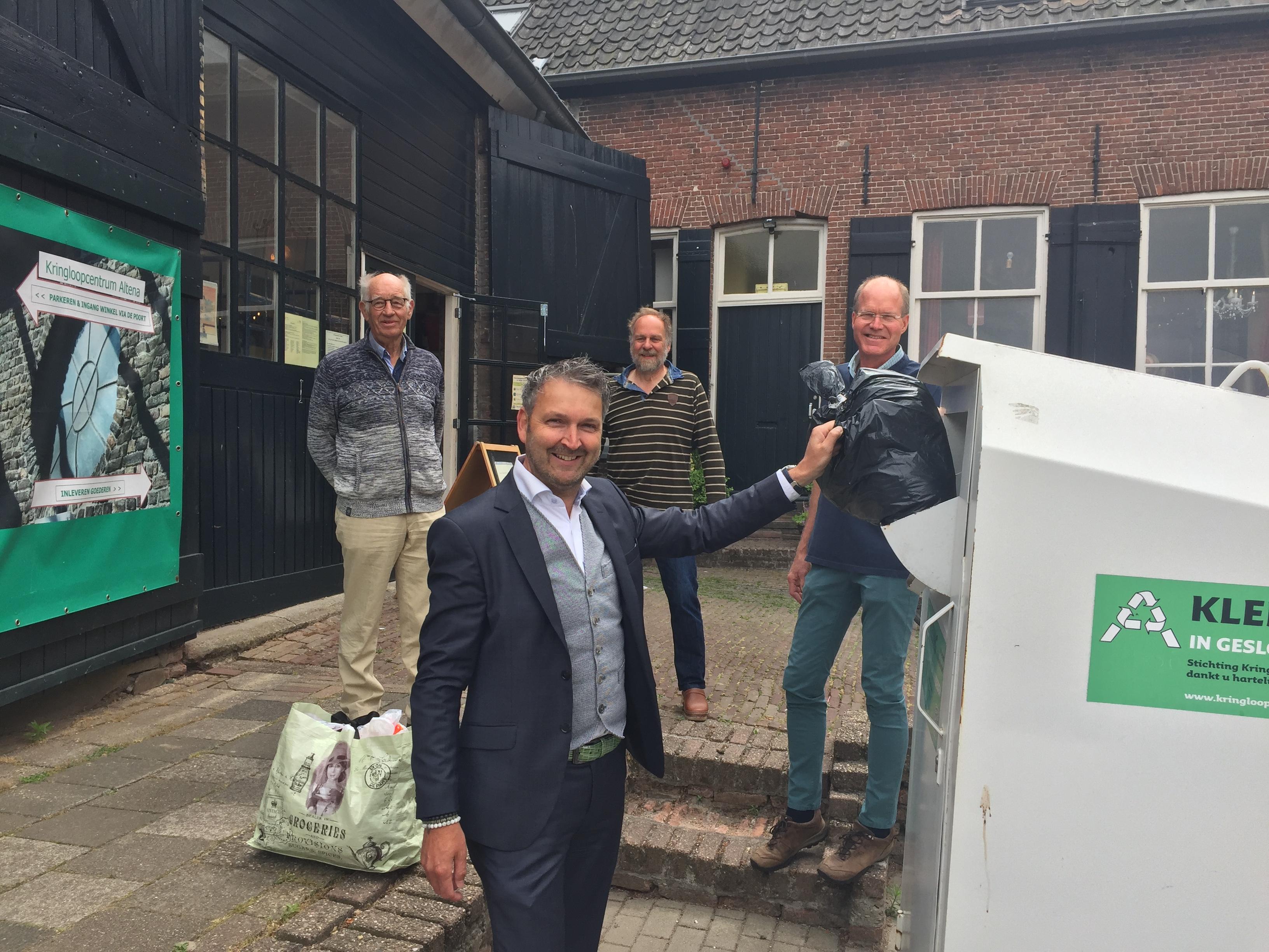 Gemeente gunt textielinzameling aan Kringloopcentrum